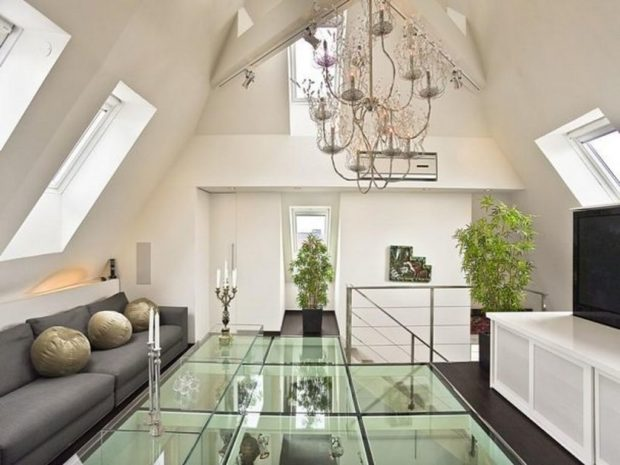Luxurious Glass Interior Floor