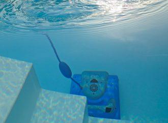 Comment nettoyer une piscine sans épuisette ?